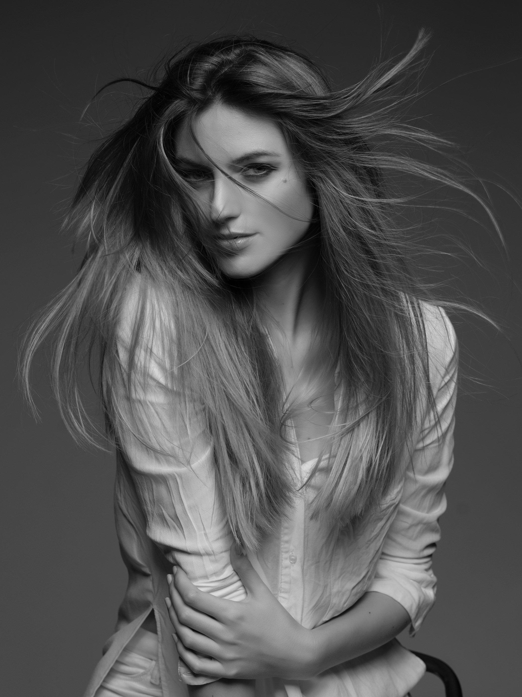 Gorgeous Hungarian Model - Lilla Primmer by em. - em